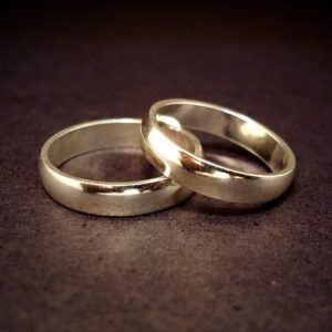 Two gold wedding bands